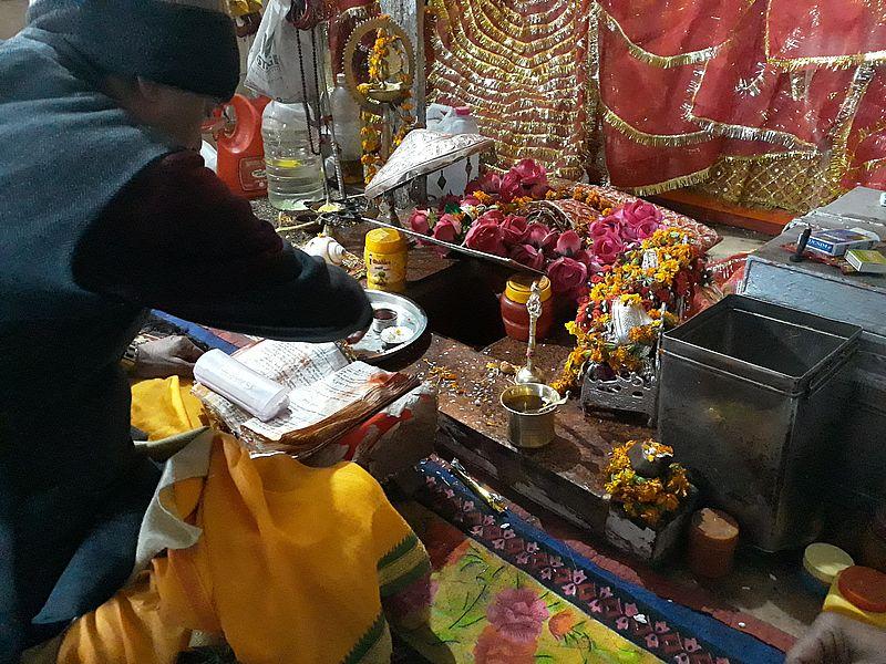 Пуджа в храме Кунджапури