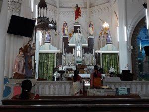 Внутри храма святой Филомены