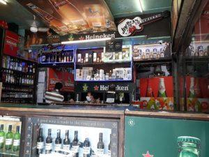 Алкогольный магазин в Индии