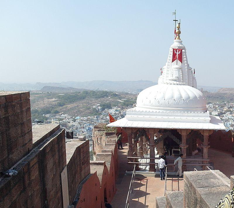Храм Чамунда-Деви