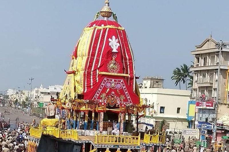 Фестиваль Ратха Ятра – шествие колесниц