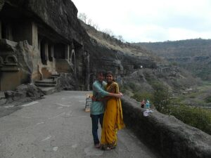 Объятия в Индии