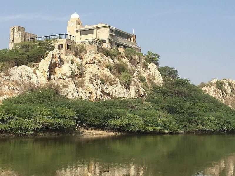 Сардар Саманд Озеро