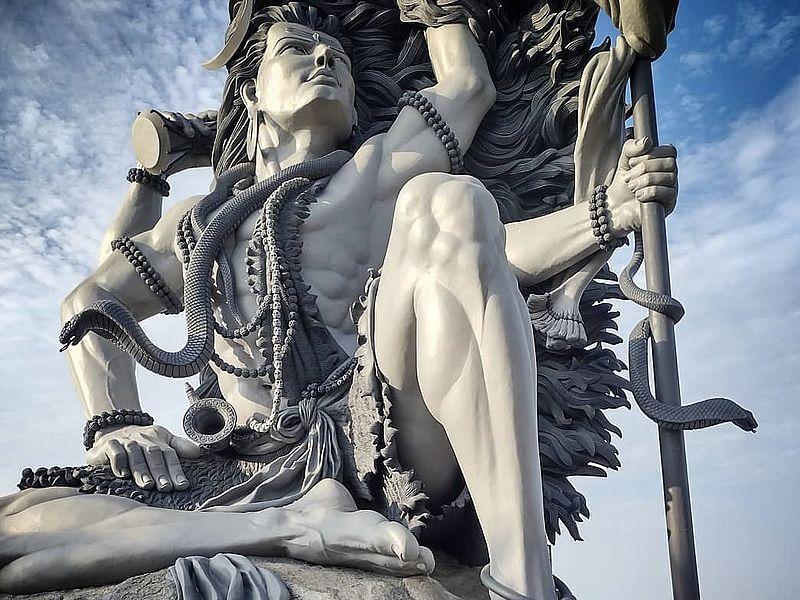 Статуя Шивы Ковалам