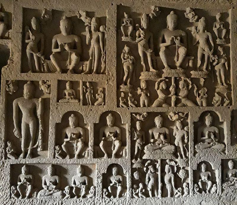 Будды в пещерах
