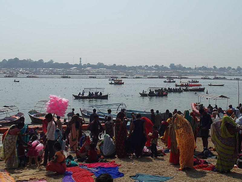 Купание в Ганге на праздник