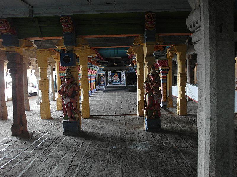 Пещерные храмы Тричи