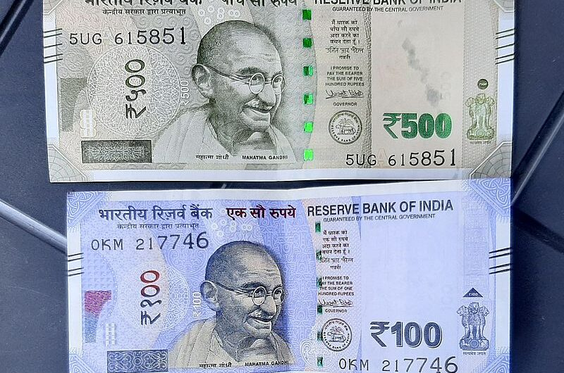 Какие деньги брать в Индию? Наличка vs карта