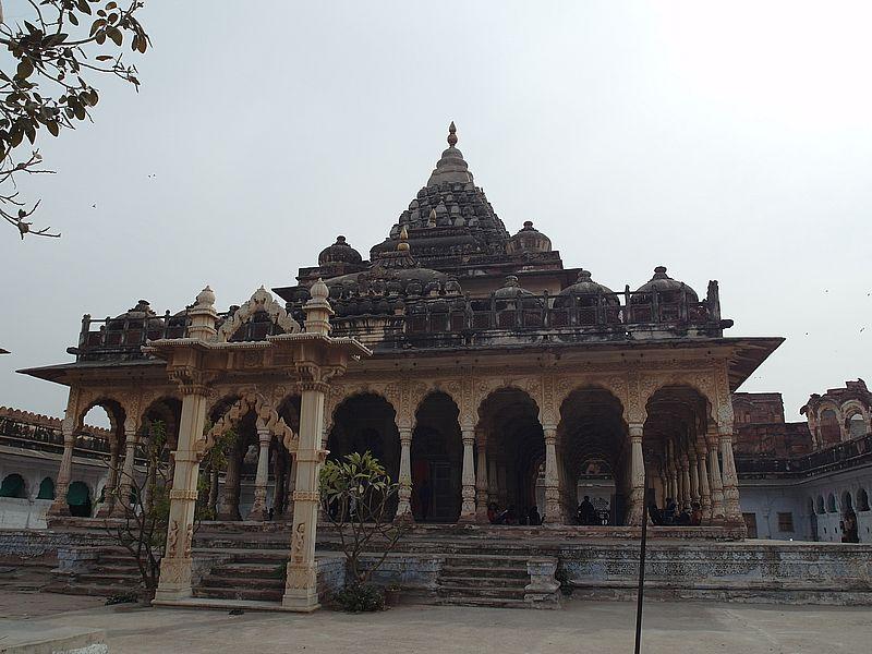 Махамандир