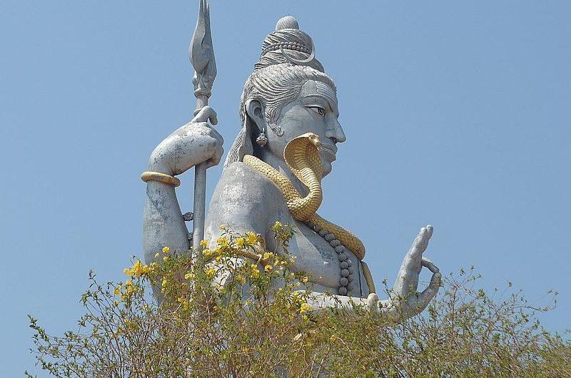 10 самых знаменитых статуй Шивы в Индии