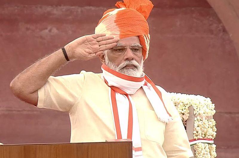 Нарендра Моди: человек, премьер и святой современной Индии
