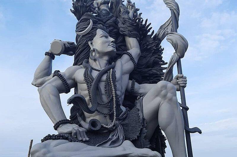 Где находится самая высокая статуя Шивы в Керале?