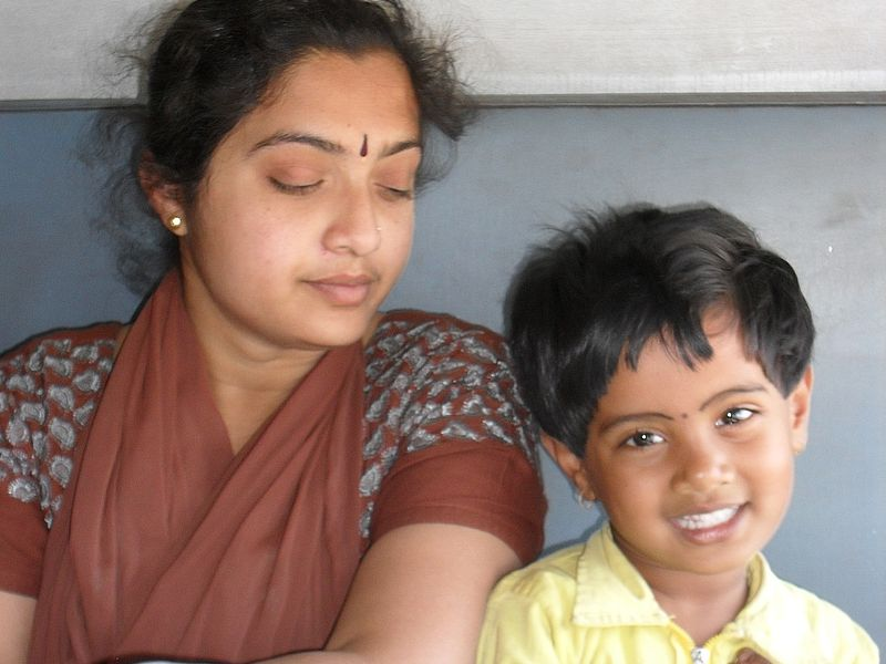 Мама и дочь индианки