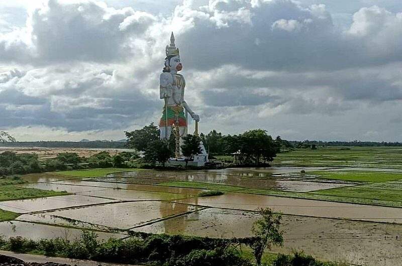 Где находится самая высокая статуя Ханумана?
