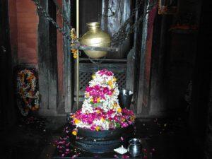 Непальский храм Шивы в Варанаси