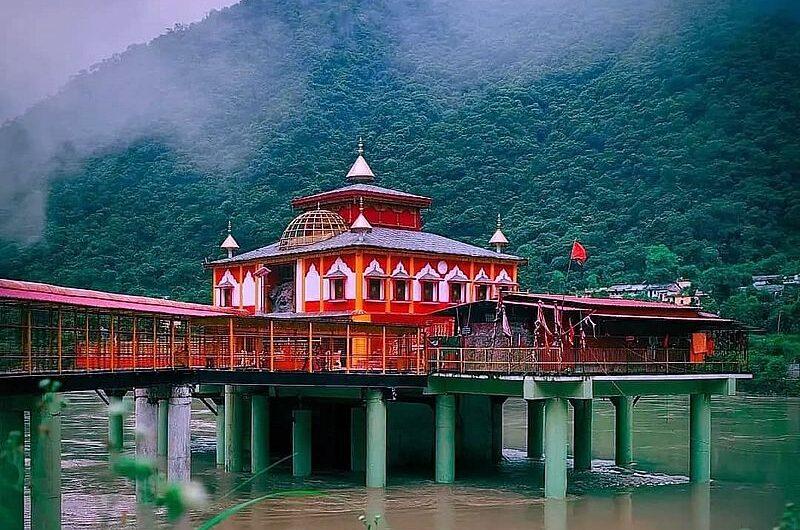 Дхари Деви Темпл на реке Алакнанда